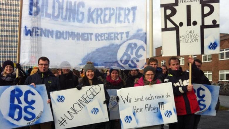 RCDS und JU demonstrieren für eine bessere finanzielle Ausstattung der Hochschulen.